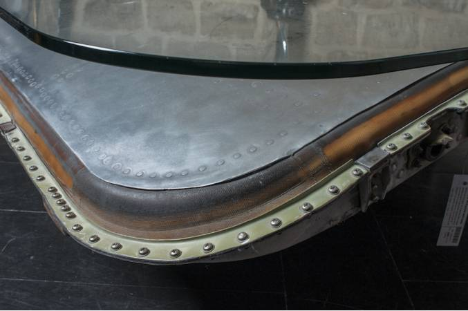 Douglas_DC9_grande_table_basse_vue_detail_bords
