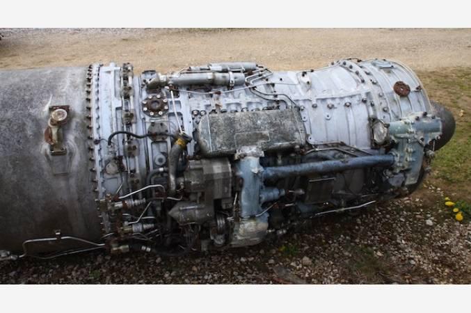 snecma-atar-101-G-SMB2-dassault-reacteur-decoratif-jet-engine-vue-cote
