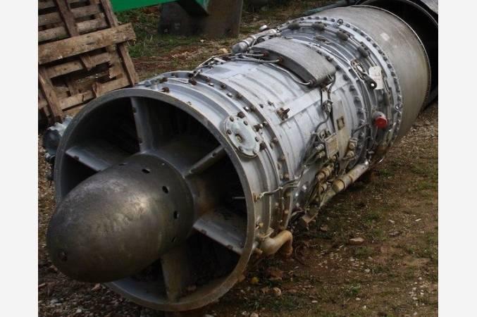 snecma-atar-101-G-SMB2-dassault-reacteur-decoratif-jet-engine-vue-lateral